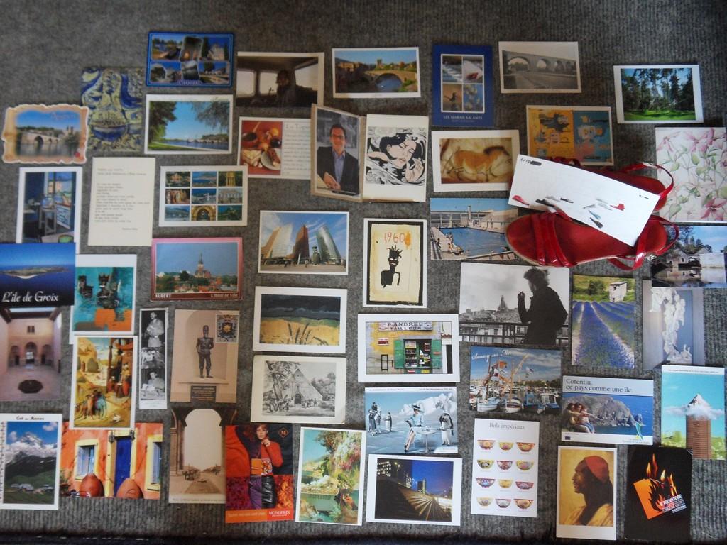 Comment faire un tableau avec des cartes postales ?